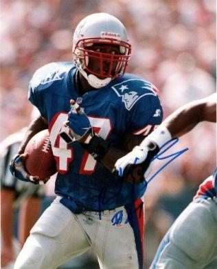Robert Edwards Autographed Patriots 8x10 Color Photo