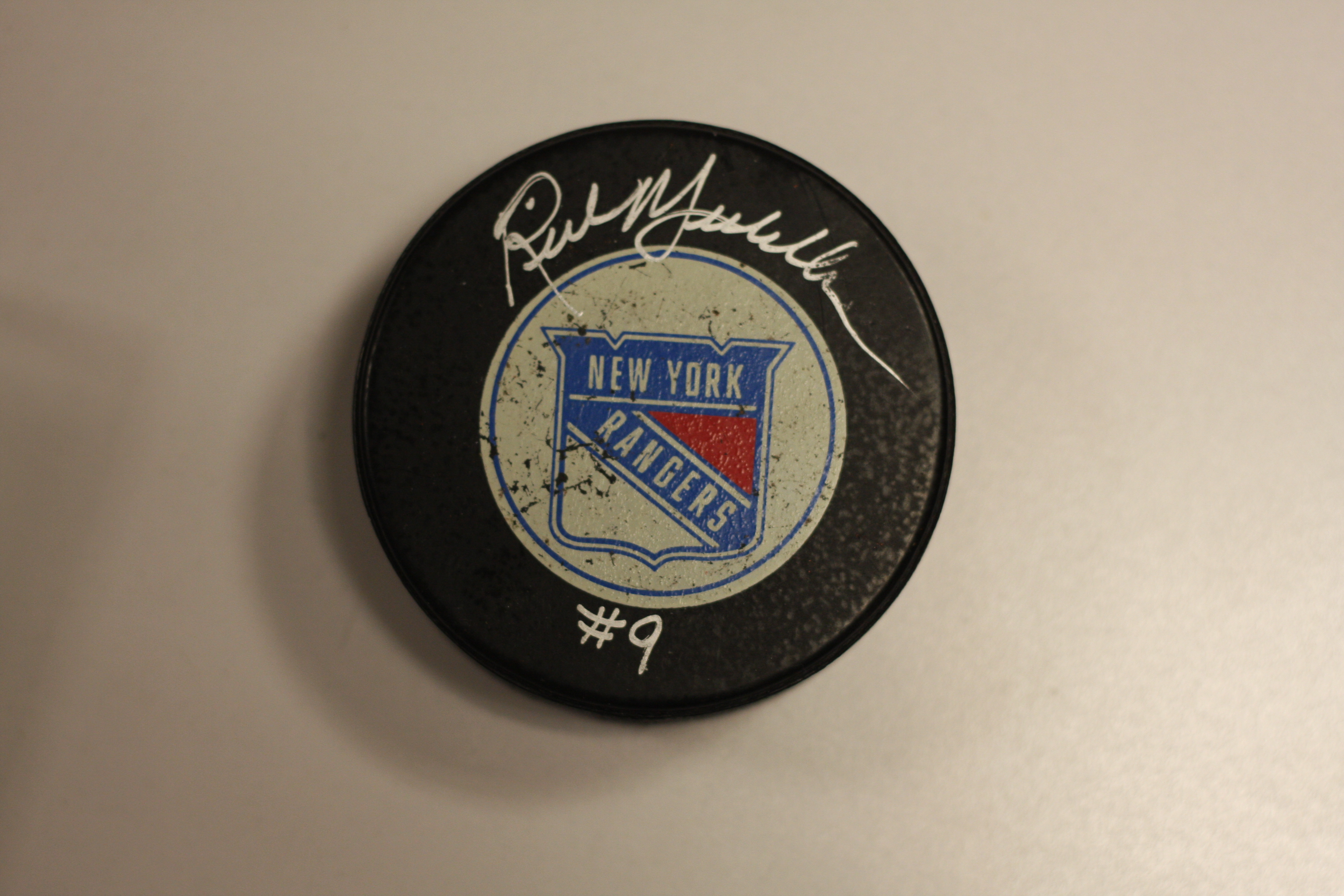 quality design 43791 3d278 Rick Middleton New York Rangers signed puck